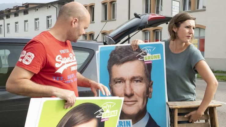 Nationalratskandidatin Kim Schweri (Grüne) war gestern mit Ehemann David Litschig im Zurzibiet zum Plakatieren unterwegs.