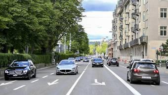 Die Bellerivestrasse in Zürich ist für die Bewohner des rechten Zürichseeufers eine wichtige Verkehrsverbindung und für die Anwohner eine störende Lärmquelle.