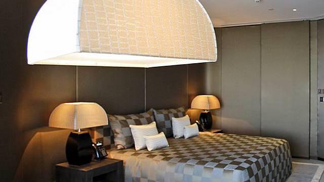 Blick in ein Zimmer im neuen Armani Hotel in Dubai
