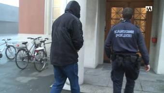 Aarauer Videothekenbetreiber vor dem Bezirksgericht.