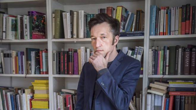Ein Ort für Schreib-Obsession und klare Gedanken: Lukas Bärfuss in seinem Zürcher Büro. Foto: Matthias Marx