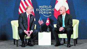 Am WEF in Davos haben sich US-Präsident Donald Trump (links) und der Schweizer Bundespräsident Alain Berset getroffen.