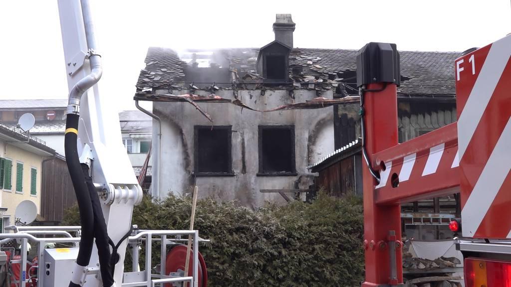 Schwanden GL: Brand in Wohnhaus fordert ein Todesopfer