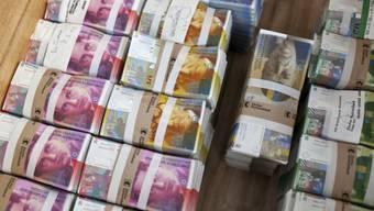 Banknoten-Bündel der Zürcher Kantonalbank