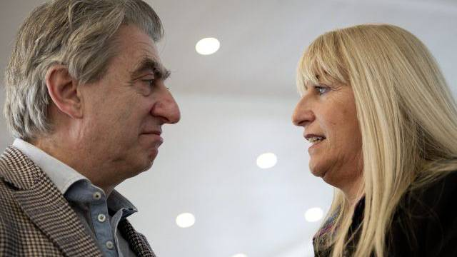 Nick und Nayla Hayek: Ein Herz und eine Seele – aber nicht mit allen Aktionären. Foto: Keystone
