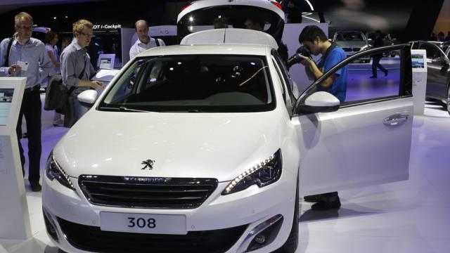 Ein Peugeot 308 an der Frankfurt Auto Show in Frankfurt