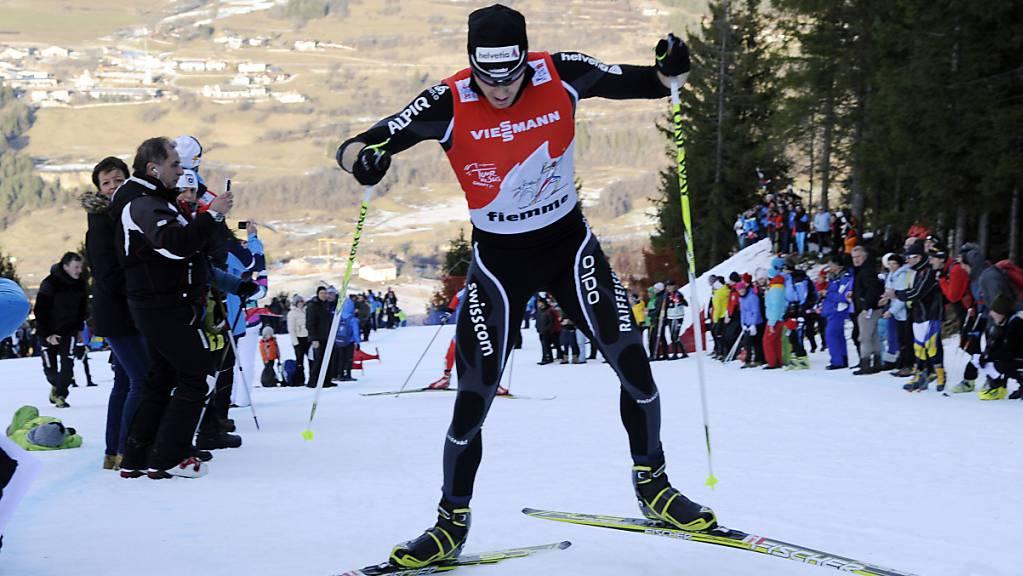 Dario Cologna wird oben bei der Alpe Cermis im Ziel der Tour de Ski einlaufen.