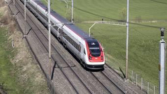 Der Ständerat hat 12,8 Milliarden Franken bewilligt für den Ausbau des Bahnnetzes. (Archivbild)