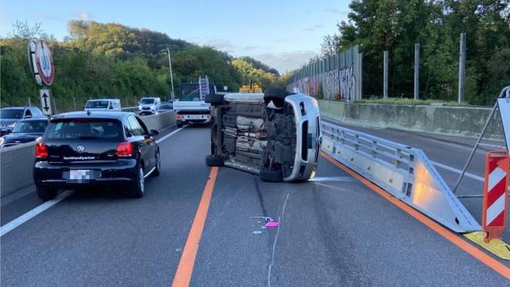 Das Fahrzeug kam nach etwa 70 Metern zum Stillstand.