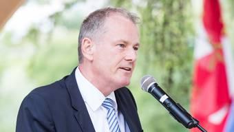 Landammann Stephan Attiger hält einen Tag vor dem 1. August eine Rede in Dintikon. (Archiv)