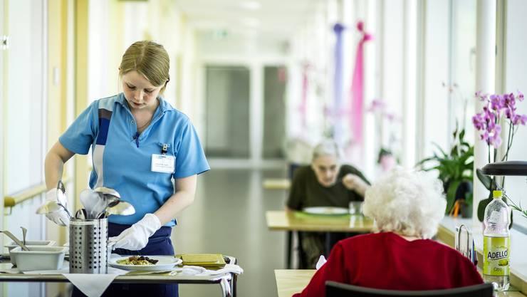 Im Kanton Baselland soll weniger in Alters- und Pflegeheime investiert werden. (Symbolbild)