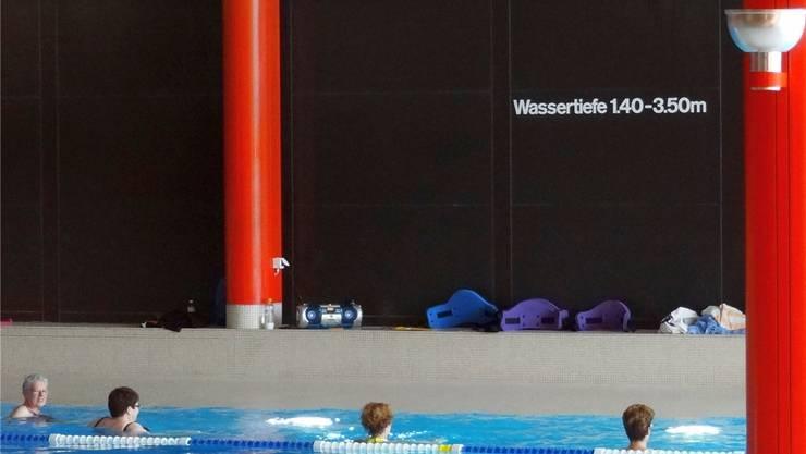 Das Hallenbad Liebrüti in Kaiseraugst verzeichnet jährlich rund 67000 Besucher. Archiv/chr