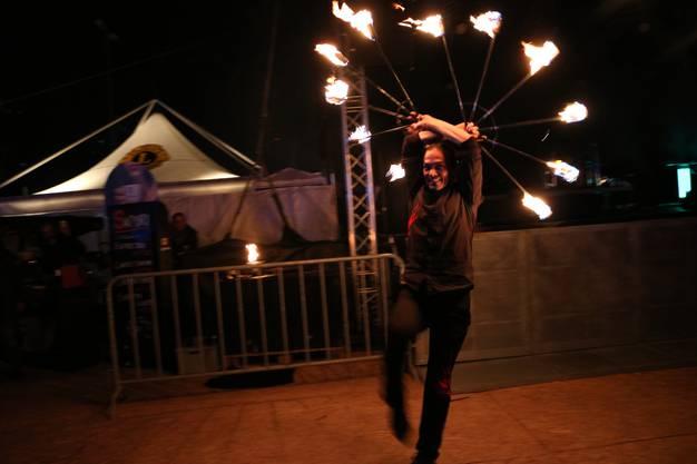 Vor dem Feuerwerk gabs eine Feuershow