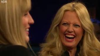 Ein Mann bringts auf den Punkt – da müssen selbst die Frauen lachen. Auch wenn es nicht nur zum lachen ist.