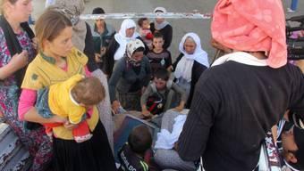 Flucht vor IS-Versklavung: Diese Jesiden-Frauen haben sich im Nordirak in Sicherheit gebracht (Symbolbild)
