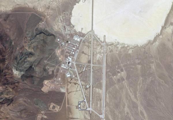 Satellitenbild der Area 51. Oben rechts der Groom Lake.