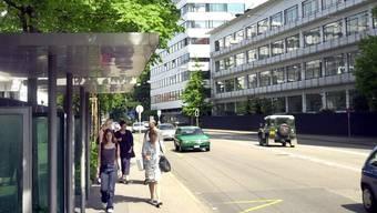 Bei einer Kollision auf der Kreuzung von Grenzacher- und Schwarzwaldstrasse ist am Montag in Basel ein Lieferwagenlenker verletzt worden. (Archiv)