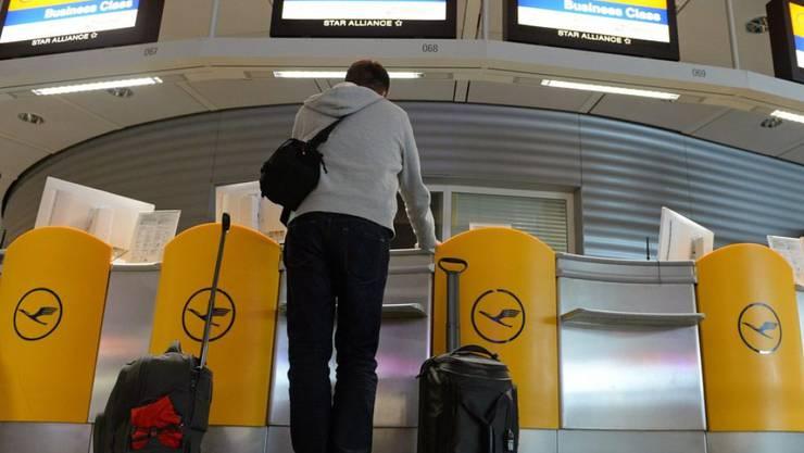 Der 38-Jährige wurde am Münchner Flughafen festgenommen. (Symbolbild)