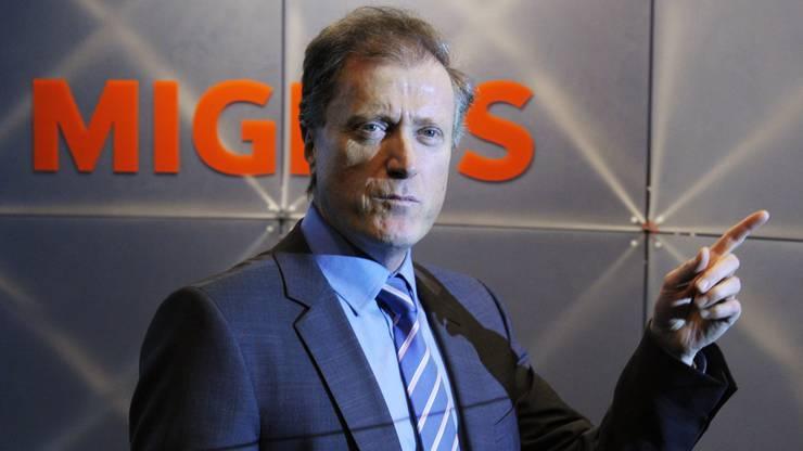 Der Aargauer war zunächst Leiter der Migros Aare. Als Chef der ganzen Migros steigerte er den Umsatz von 20 auf 27,7 Milliarden Franken.