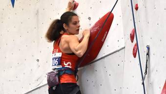 Zoé Egli (Hünibach), die Schweizer U18-Leadmeisterin zeigte einen starken Wettkampf und wurde hinter Camille Pouget (FRA) hervorragende Zweite.