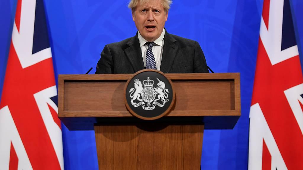 Großbritanniens Premierminister Boris Johnson spricht bei einer Pressekonferenz in der Downing Street. Foto: Toby Melville/PA Wire/dpa
