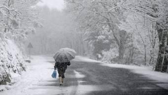 Erste Vorzeichen des Winters: Am Wochenende fällt mancherorts der erste Schnee. (Archivbild)