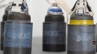 Sollen in der Schweiz der Vergangenheit angehören: Streumunitions-Bomben (Archiv)