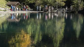 Der Blausee ist schön, doch in den Fischzuchtanlagen neben dem See sterben die Tiere.
