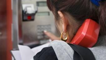 Telefonkabinen werden wegen des wachsenden Mobilfunkmarktes immer weniger benutzt.