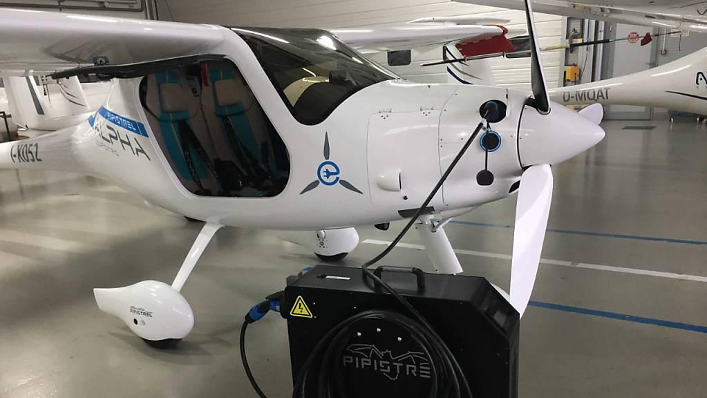 Hat zum Jungfernflug abgehoben: Das weltweit erste zertifizierte Elektroflugzeug Pipistrel Velis Electro.