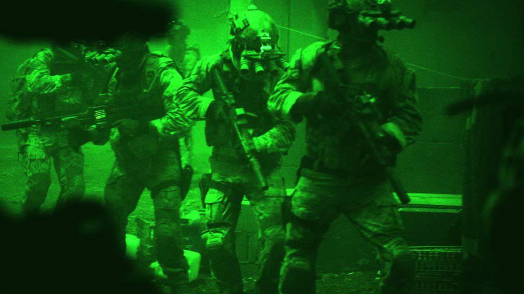 Kollegen unter Verdacht: Ein Elitesoldat der US-Spezialtruppe Navy Seals wurde in Mali erwürgt aufgefunden. (Symbolbild)