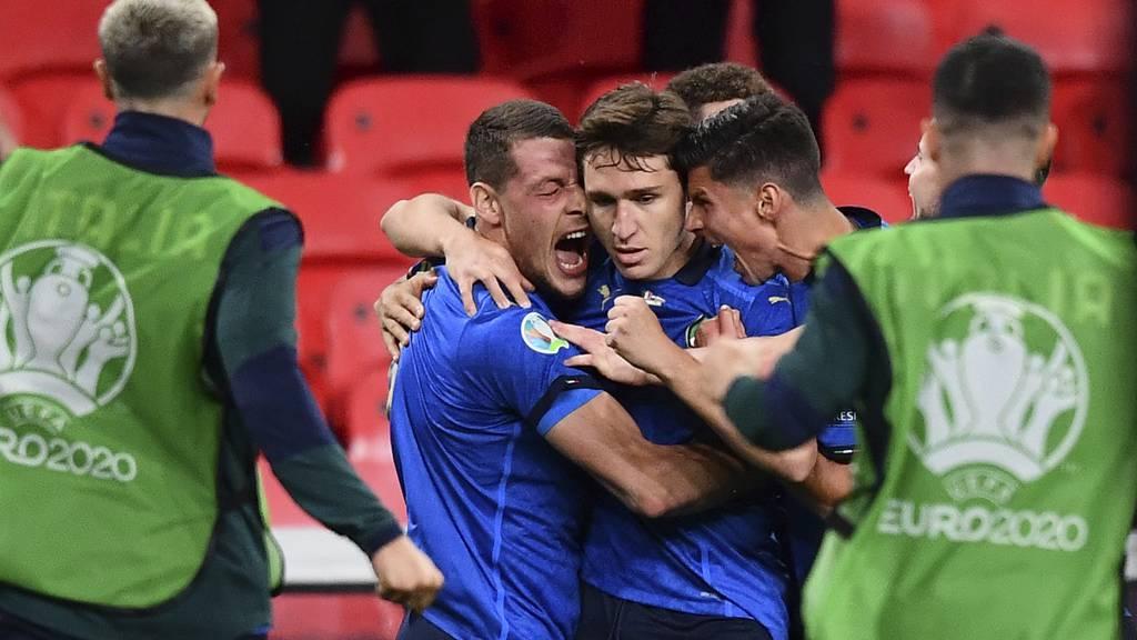 Italien schafft es mit blauem Auge in die Viertelfinals