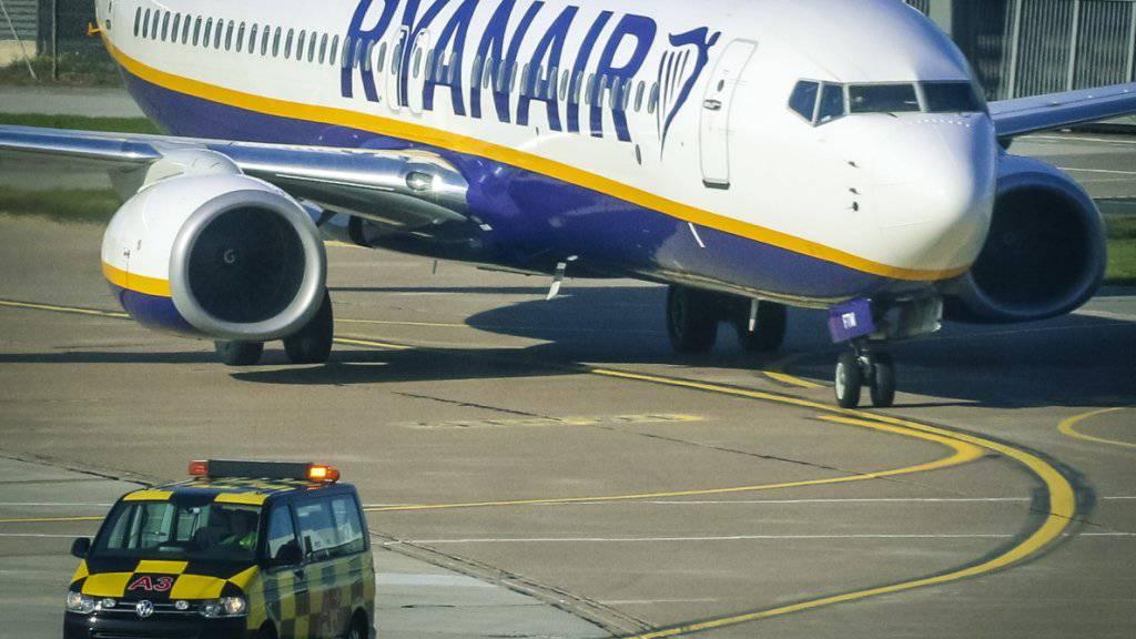 Ryanair muss mit weniger Gewinn vorlieb nehmen. (Archivbild)