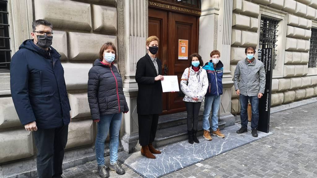 2'500 Unterschriften: Lehrer, Kinder und Politiker kämpfen für Klassenlager