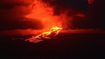 Lavaströme am Vulkan Wolf