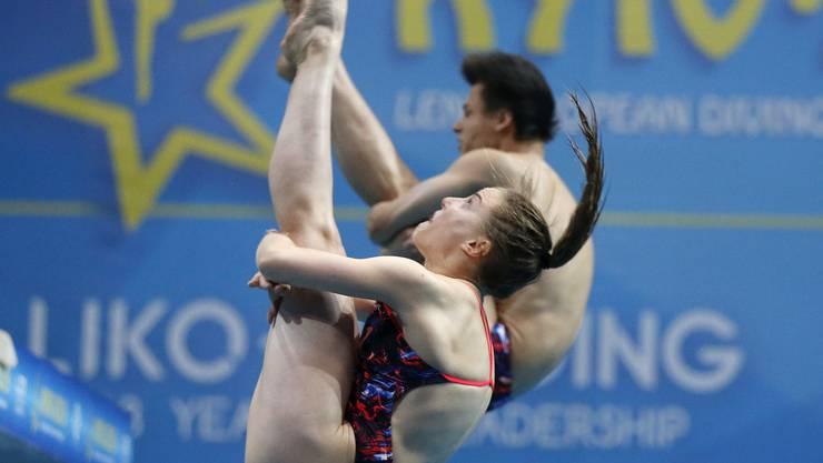 Michelle Heimberg und Jonathan Suckow beim Sprung zur Bronzemedaille an der EM in Kiew.