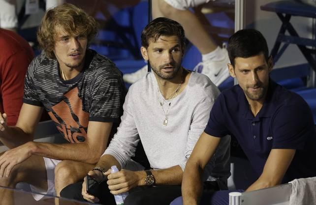 Grigor Dimitrov mit Alexander Zverev und Novak Djokovic in Belgrad.