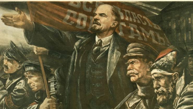 Lenin führt die Revolution: Von den Ereignissen des Jahres 1917 gibt es kaum Dokumente, aber jede Menge Heldendarstellungen.