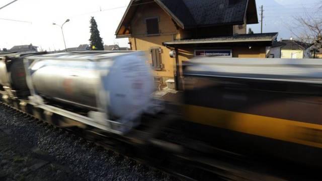 Lärmige Güterzüge sollen bald der Vergangenheit angehören (Archiv)