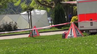 Laut Angaben der Kapo Bern habe sich der Unfall am Hafen von La Neuveville ereignet. Möglicherweise wurden die Opfer durch einen Stromstoss getötet.