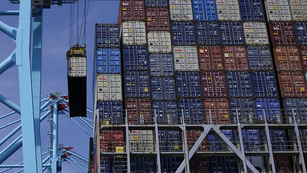 Die deutschen Unternehmen haben ihre Exporte im April den zwölften Monat in Folge gesteigert. (Symbolbild)