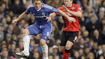 Chelseas Frank Lampard (l.) im Duell mit David Dunn