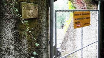 Beim Salmetörli ist der Zugang vom und zum Rhein verboten.