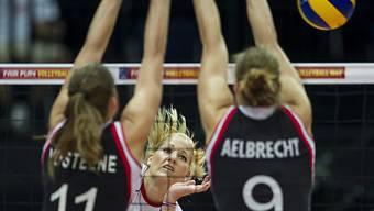 Die Schweizerin Mandy Wigger gegen den belgischen Block.