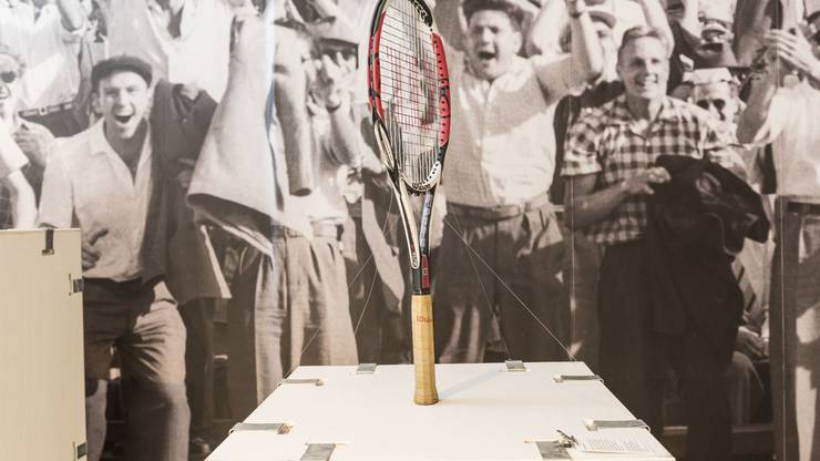 Roger Federers Tennisschläger, benutzt im Finale des Australian Open 2009.