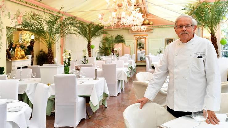 Max Eichmann im Wintergarten des «Schloss Falkenstein». Ende Jahr geht der Gastgeber in Pension.