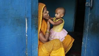 Mutter und Kind in Indien (Archivbild)