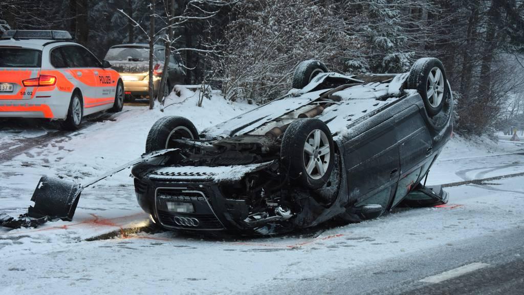 Hoher Sachschaden bei Unfällen aufgrund der Schneeverhältnisse
