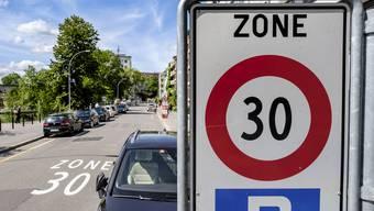 Die Hornusserinnen und Hornusser wollen eine 30-iger-Zone. (Symbolbild)