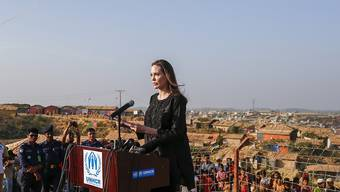 Angelina Jolie soll sich im Rohingya-Flüchtlingslager Kutupalong in Bangladesh ein Bild der Situation der Flüchtlinge machen. (Archivbild)